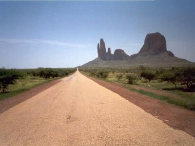 Route main de Fatima 400x300.jpg