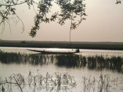 fleuve pirogue 400x300.jpg
